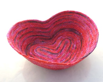 Moody Fuschia Heart Bowl