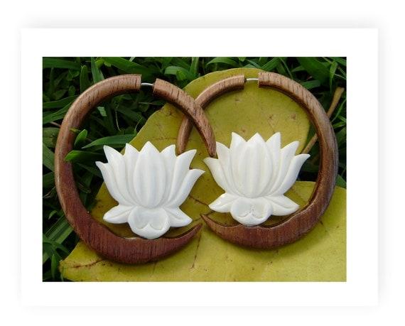 Fake Gauge Earrings - Hand Carved hawaii koa  Wood Fancy Flower Split Expanders Fake Piercings