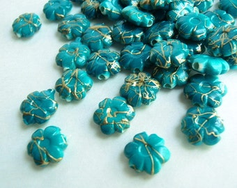 25 Fflower shaped Drawbench Beads, Jewelry making Supply, Turquoise with golden thread-like patterns,  Acrylic bead