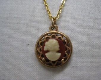 Cameo Filigree Orange Off White Necklace Gold Vintage Pendant