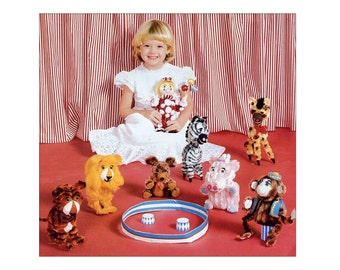Chenille Circus Bendy Animals Craft Instruction Book 18 Cute Animal Toys Lambs, Hippo, Lion, Tiger, Giraffe Vintage Project Book