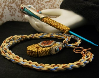 Southwestern Style Crochet Hook and Threadcutter Pendant Set