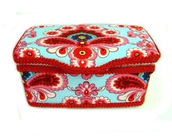 Amy Butler Nursery wipes box vintage diaper wipes case baby vintage baby nursery vintage baby gift damask baby box vintage gifts