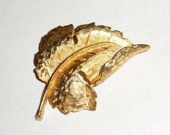 Vintage BSK Brooch - BSK Pin - BSK Gold Tone Leaf Brooch - Leaf Pin - Gold Leaf - Large Leaf Pin - Furled Leaf Pin - Lapel Pin