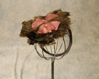 Clearance Sale vintage 40s Feather Hat - 1940s Brown Feather Plume Tilt Topper Hat
