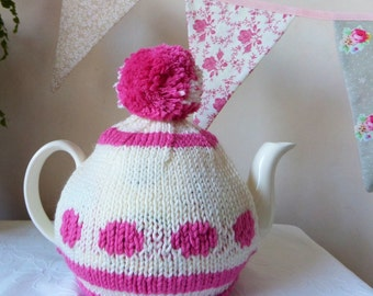 SALE Knitted tea Cosy - 4 to 6 cup pot, hand knitted in Amy Butler Organic Yarn was 20.00