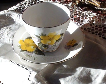 REGENCY Yellow flower for friendship  Tea Cup and Saucer  SET Gold Rim VINTAGE England