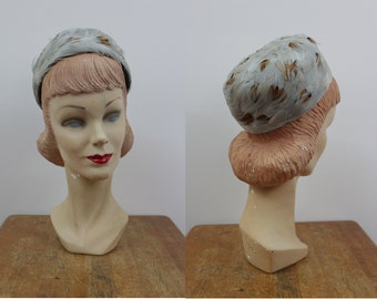 vintage 1960s hat / 60s pillbox hat / 60s feather hat / jackie o hat / 60s feather pillbox hat