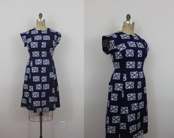 ON SALE // vintage 1960s dress / 60s navy blue dress / 60s graphic print dress / plus size 60s dress / sz XL xxl