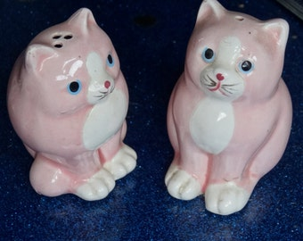 MEOW Pink ceramic Cat Salt and Pepper shakers