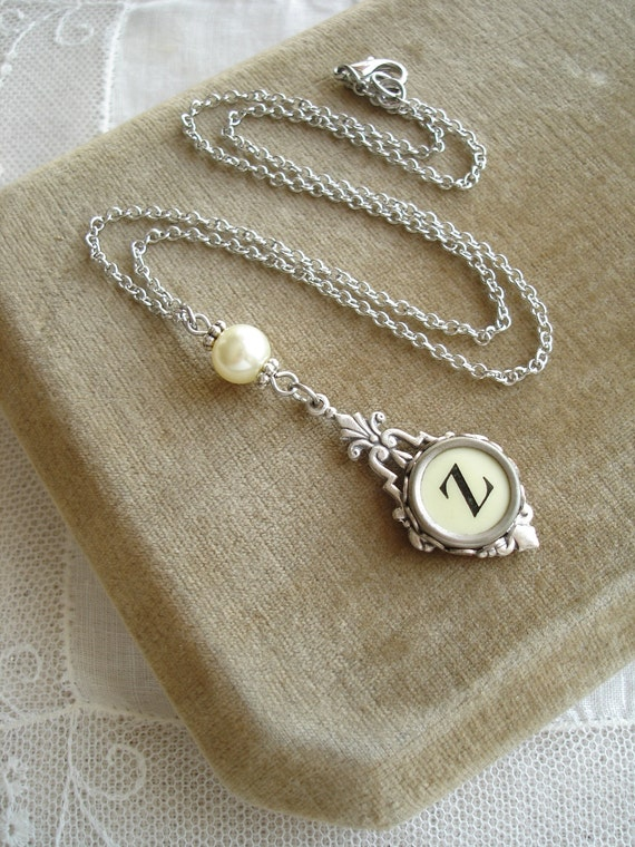 Typewriter Key Necklace & Pearl. Letter Z Necklace. Vintage Typewriter Key Jewelry. Monogram Necklace. Upcycled Jewelry. Repurposed Jewelry.