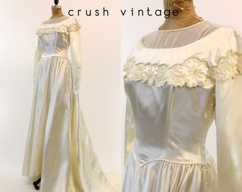 40s Beaded Wedding Dress S / 1940s Bridal Gown /   Endless Love Dress