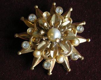 Metal, pearl and rhinestone brooch II