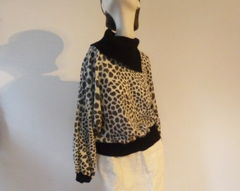 Sale - Dalmatian print vintage sweater in black white and grey, animal print cow collar woman's sweater, stylish pullover, SALE