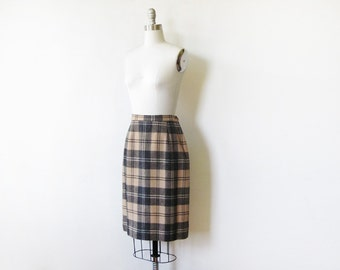 plaid wool skirt, vintage 1960s pencil skirt, cream and black wool plaid skirt, 25 w