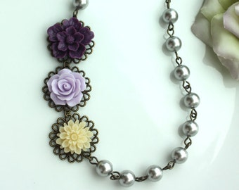 Purple Flower Necklace. Purple, Lilac, Ivory, Grey Pearls Necklace. Vintage Style Purple Wedding. Bridesmaid Gift. Maid of Honor. For Siste