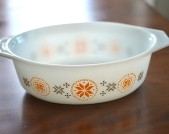 Pyrex Casserole - Town & Country Pattern - 1.5 qt. - Thanksgiving