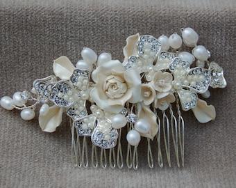 Bridal Rhinestone, Flower & Pearl Hair Comb / Wedding Hair Comb / Vintage Inspired Headpiece