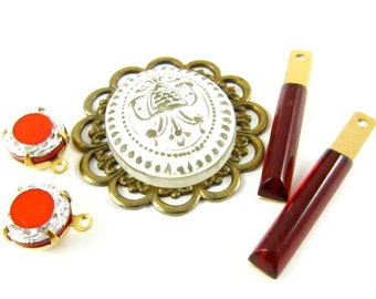 Vintage Cabochon Pendant and Earrings Charms / Dangles / Drops - Red & Gold - 5 Pieces Set - KS14 .