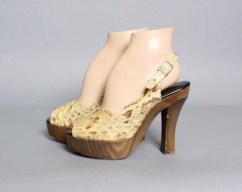 70s PYTHON Snake Skin PLATFORMS / Strappy Open Toe Platform Wood Heels, 6