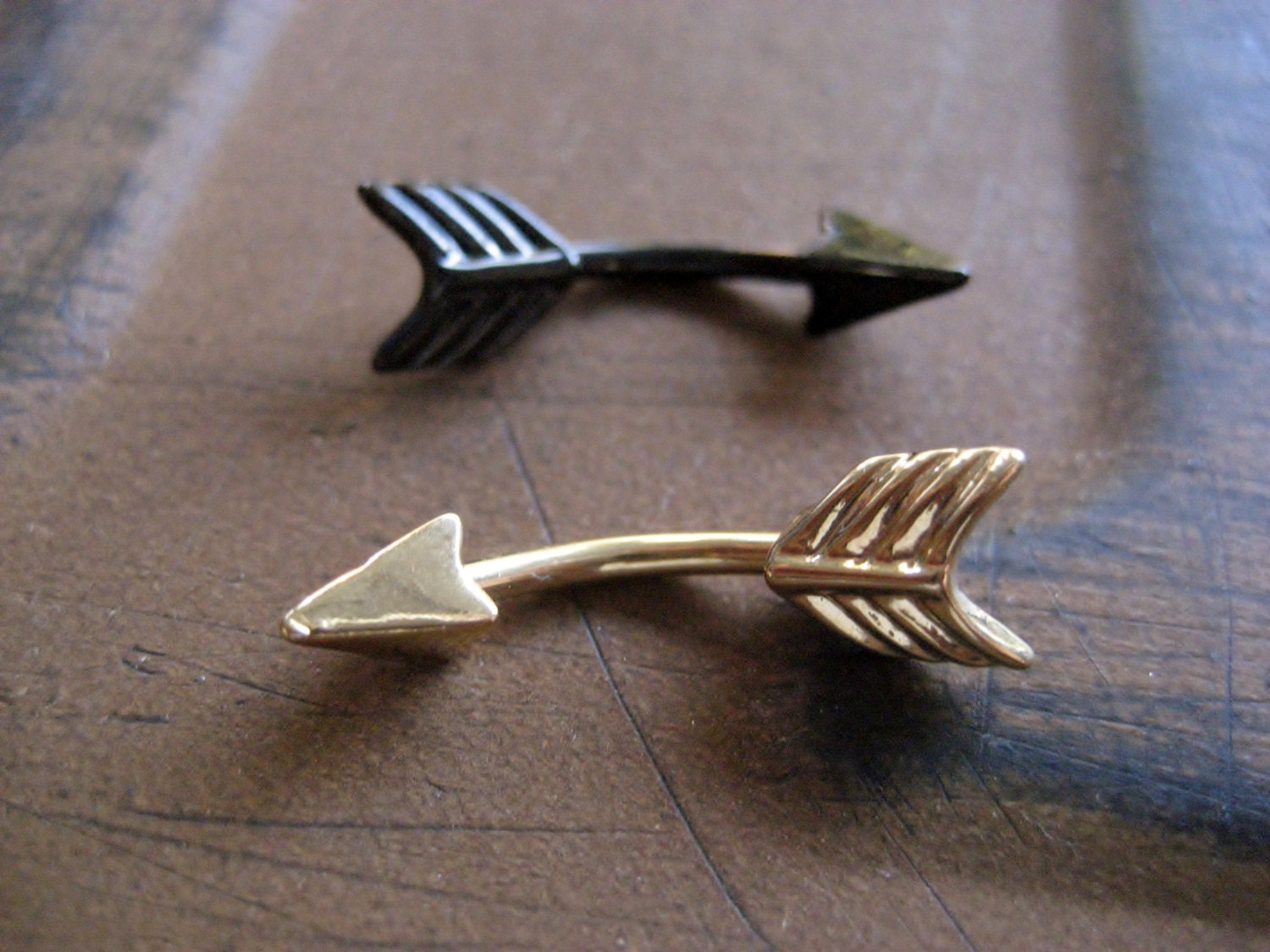 Arrow belly button jewelry ring 14 gauge eyebrow conch snug for Jewelry storm arrow ring