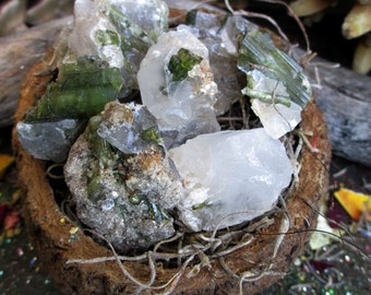 Rita's Green Tourmaline Quartz Ritual Crystal - Deflect Negative Energy, Grounding, Happy Vibrations, Rid Self Sabotage