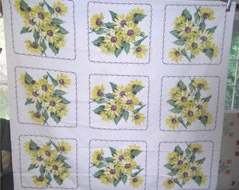 1950s PRINT KITCHEN TABLECLOTH - Black Eye Susan Squares