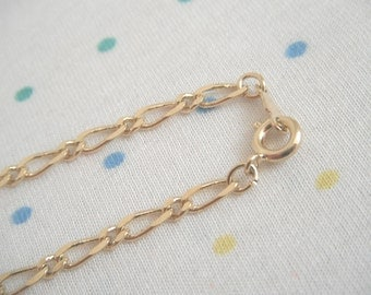 Gold Plated Metal Bracelet Chains, 7 mm x 3 mm Links, 24 cm Long (10)