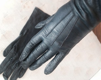Vintage Navy leather gloves by Barbara Lee size 6 1/2