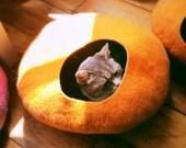 Cat Cave/ cat bed- handmade felt- Orange /Grey or all Orange- S,M,L,XL + free felted balls