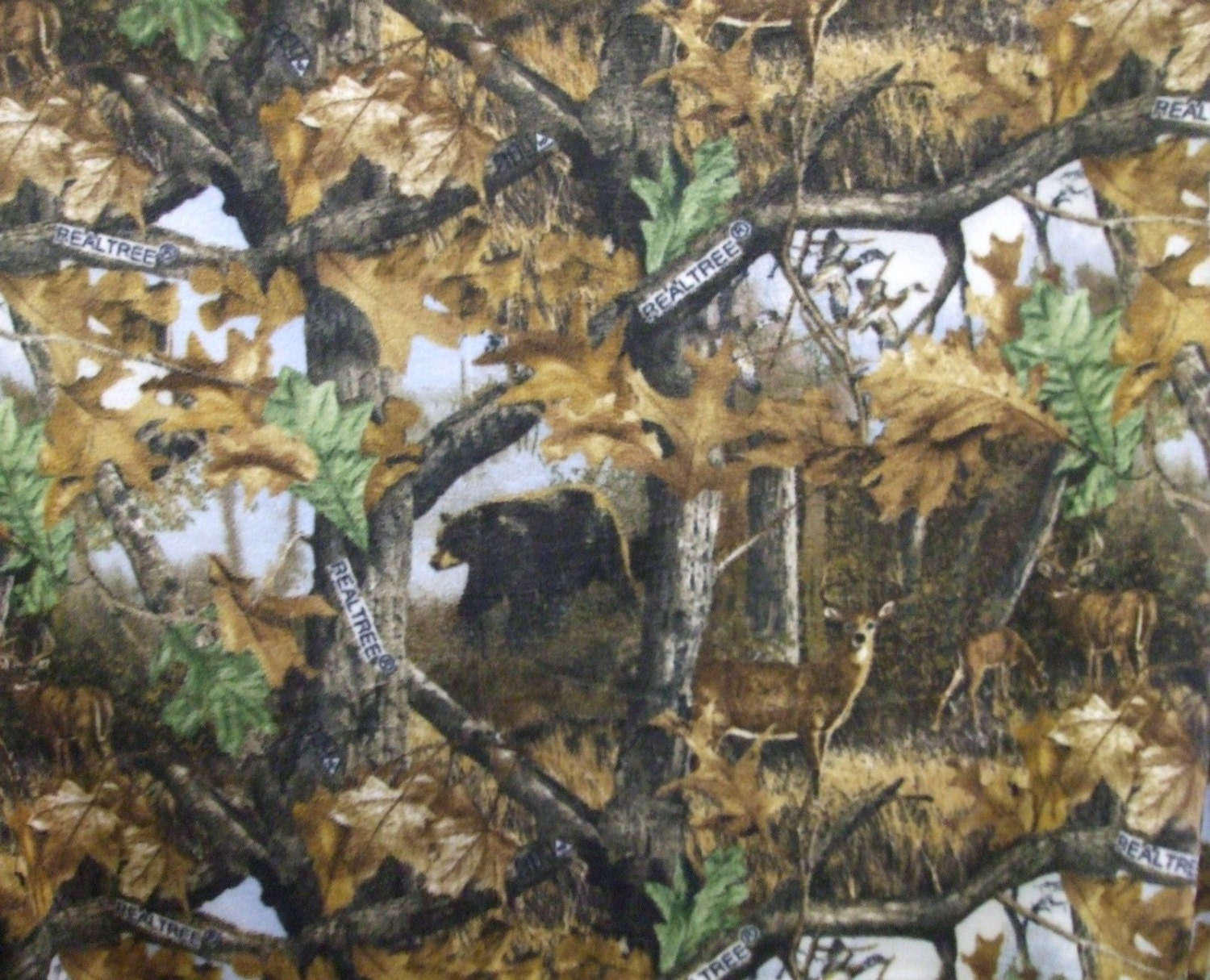 Realtree Camo Fleece Fabric By The Yard Pattern 1426