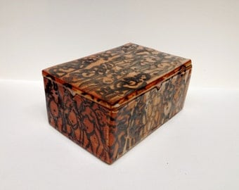 "Shino Glazed Lidded Box with Figures - ""Red Script"""