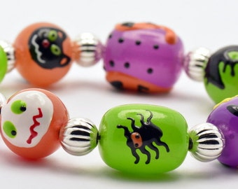 Sale / On Sale / Clearance Jewelry / Jewelry on Sale / Pumpkins Spiders and Ghosts Silver Plated Halloween Stretch Bracelet -  BR00476