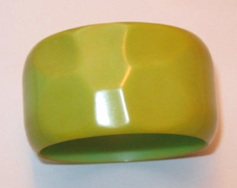 Bakelite Carved Wide Bracelet Hammered Facets Green