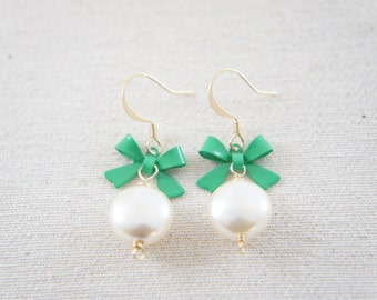 Green bow and cream pearl earrings, wedding, vintage, bridesmaid, gift