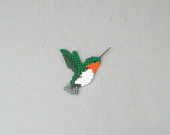 Ruby Throated  Hummingbird Plastic Canvas  Magnet / Bird Magnet / Refrigerator Magnet / Hummingbird Magnet