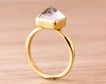 Crystal Quartz Point Ring - Pyramid Ring - Bohemian Rings