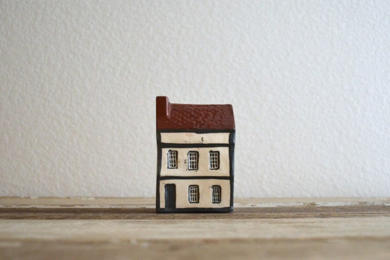 vintage Mudlen End Studio pottery miniature cottage