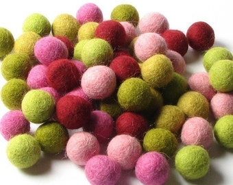 60 Hand-felted Wool Felt Balls 1CM Mod Mix Handbehg Felts Fiber Crafts