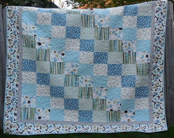 Bold and Beautiful Breezy Lap Quilt