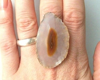 agate ring geode stone rock bohemian boho fashion jewelry statement cocktail adjustable neutral earth tone gray crystal brown eye