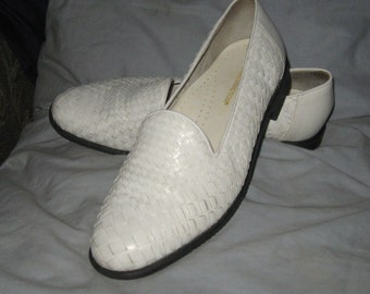 vintage   white woven leather shoes   7.5B