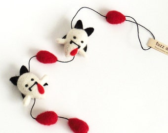 Vampire garland : miniature felt baby vampire ghosts with blood drops Halloween decor