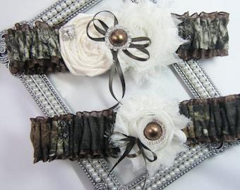 Mossy Oak brown CAMOUFLAGE wedding garter set Camo garters shabby rose