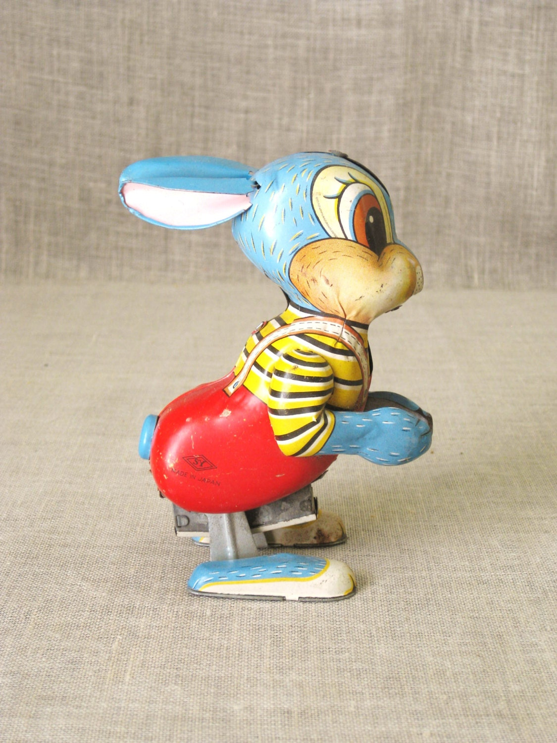 Vintage Japan Tin Toys : Antique wind up tin toy rabbit easter bunny mid century