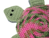 Turtle Pot Holder in Green and Pink Crochet, Turtle Trivet, Turtle Hot Pad, Wall Decor