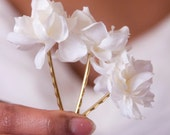 Set of 3 Snow White Blossom Bobbies // Small Flower Bows for Bridesmaids, Flower Children // Great with Maxi Dresses and Swimwear // July 4