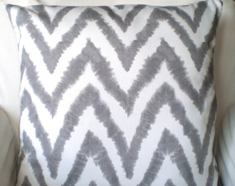 Gray White Chevron Pillow Covers, Decorative Throw Pillow, Cushion Covers, Grey White Diva Chevron Zig Zag, Euro Sham, One or More ALL SIZES