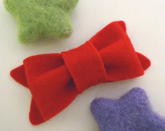Wool felt hair clip NO SLIP -New bow -red