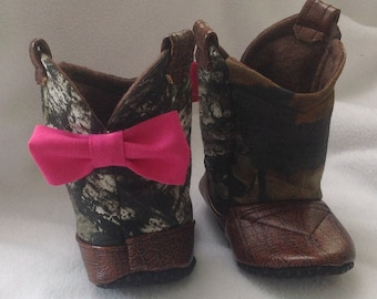 Baby Cowboy Boots, Mossy Oak Camo fabric with leather and Bow / Newborn Boots / Infant Boots / Toddler Boots